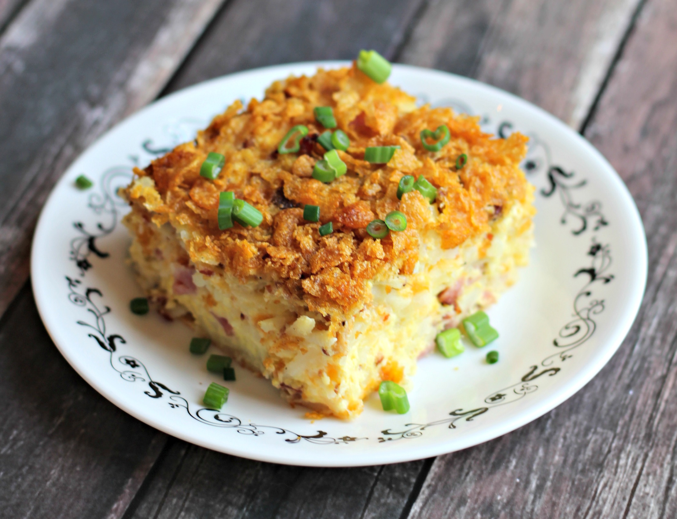 Cheesy Ham and Hashbrown Breakfast Casserole