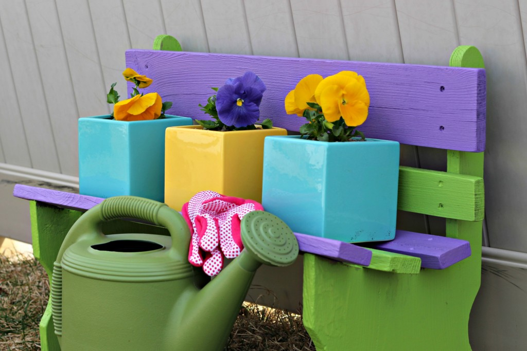 Some garden inspiration to give your garden a little extra fun and personality this year. #LoveYourLawn ad