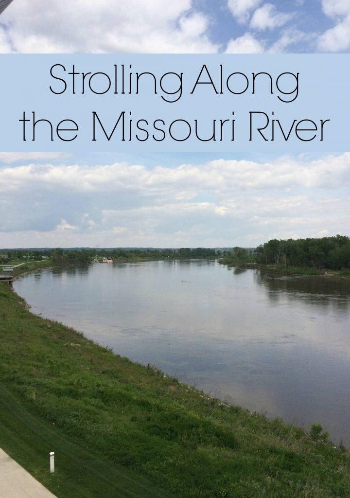 Strolling Along the Missouri River and The Finest Hours #ad #TheFinestHours