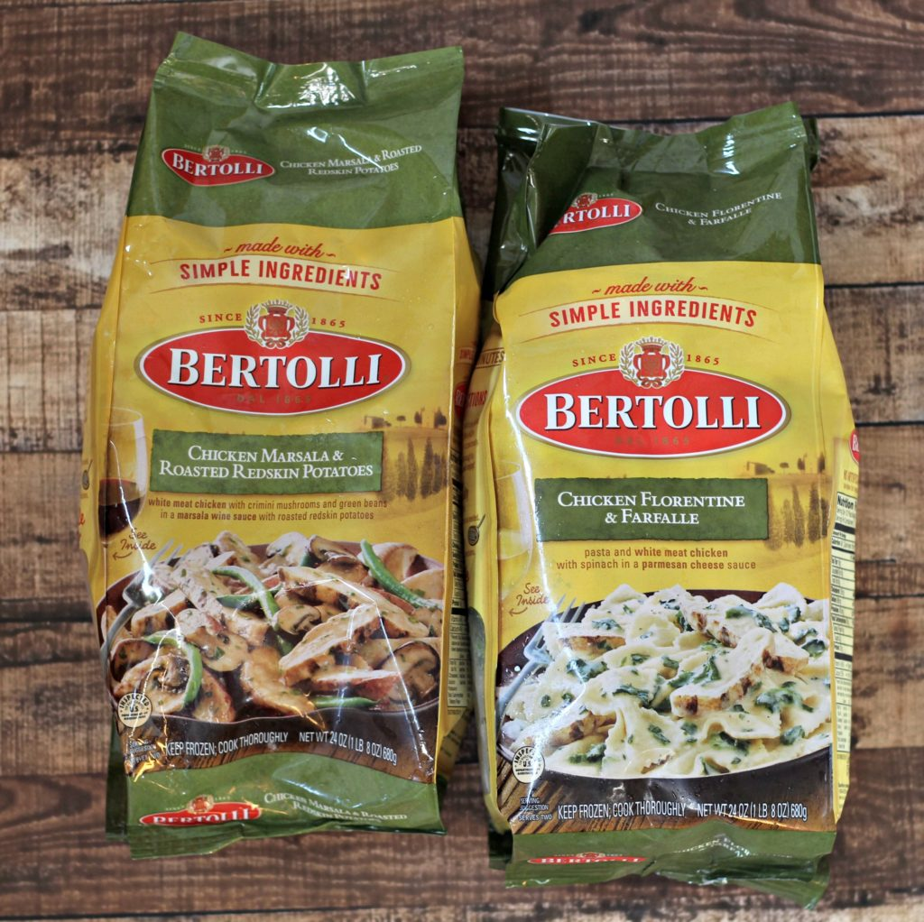 Tips to create an Italian themed weeknight meal a weekly occurrence for Mangia! Mondays. Tips for food to serve, decorations, and atmosphere. #sponsored #BertolliMangia